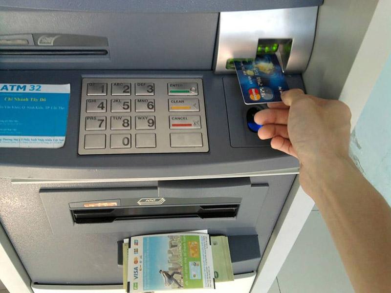Nên làm thẻ ATM ngân hàng nào tốt nhất hiện nay 2019?